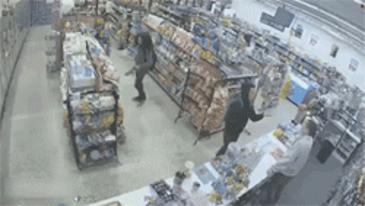 점원, 도둑s 그리고 강도