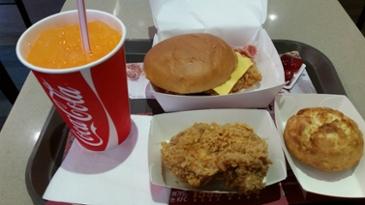 [먹거리 소개# 296] KFC 신메뉴 더블치즈 베이컨 박스