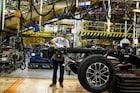 美 빅3 생산성 요원, 공장 가동 재개에도 출근 못 하겠다는 직원들