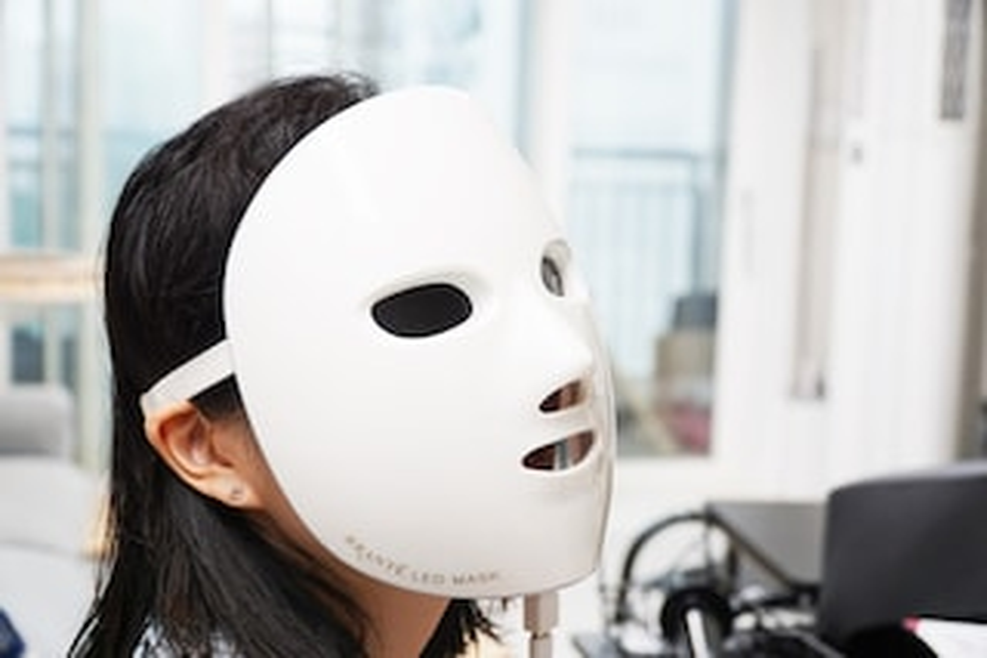 브랑떼 7파장 LED 마스크를 사용해봤습니다.