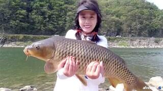 [대박영상] 캠핑하기 좋은 포인트에서 거대잉어 2마리 잡은 미끼공개 Giant carp fishing aing2 [여자 낚시꾼 아잉2]