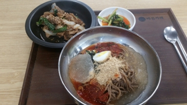 [먹거리 소개# 310] 여름에 먹기 좋은 비빔메밀국수와 숫불고기
