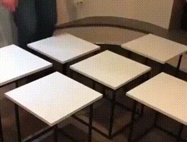 합체하는 의자