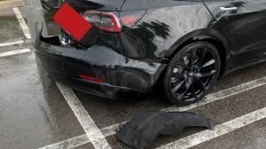 테슬라 모델3, 범퍼가 기가 막혀. 조악한 조립 품질을 입증한 황당 사고