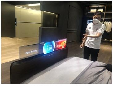 LG디스플레이, 마곡 '쇼룸' 최초 공개…'OLED로 미래를 비추다'