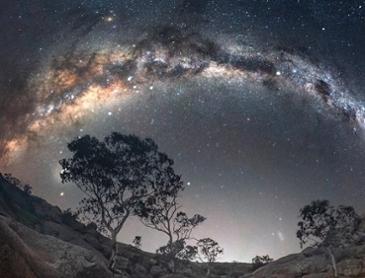 멋진 밤하늘 은하수 사진