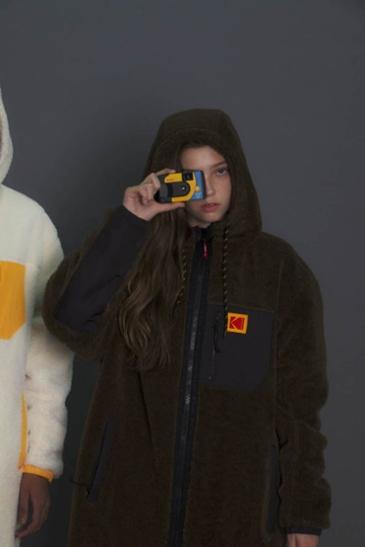 필름 카메라의 대명사 '코닥' 패션으로 재탄생