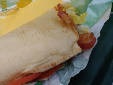 오늘의 저녁 - 서브웨이 BLT 샌드위치 15cm (5,100원)