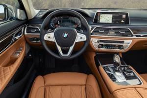 BMW, 전시용 차를 팔았다며 실적 부풀렸다가 210억원 벌금