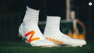'뉴발란스 최초 끈 없는 축구화'를 신어봤습니다 | 테켈라 V3 프로 리뷰!