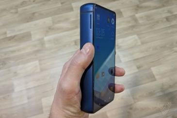 에너자이저가 만든 스마트폰