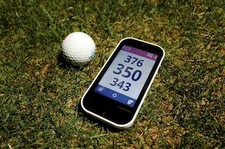 GPS 골프 거리 측정기와 런치 모니터를 동시에 즐기는 '가민 어프로치 G80'