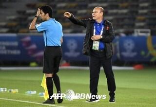 베트남 새 역사 쓰는 박항서 감독, 60년 만의 우승까지 단 두 경기[베트남-캄보디아]