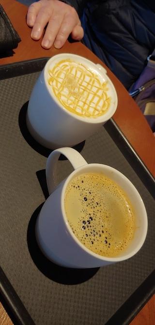 스타벅스에서 커피한잔