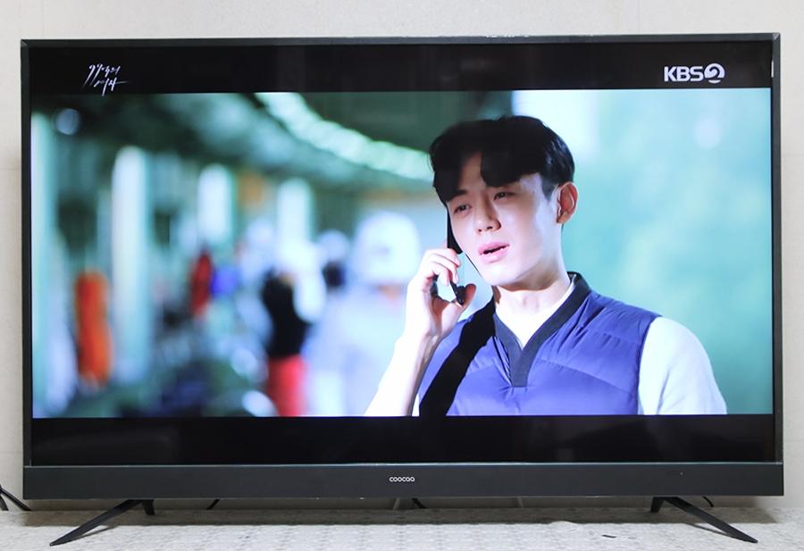 똑똑한 AI 4K TV, 이스트라 쿠카 UC551UHD 사용기