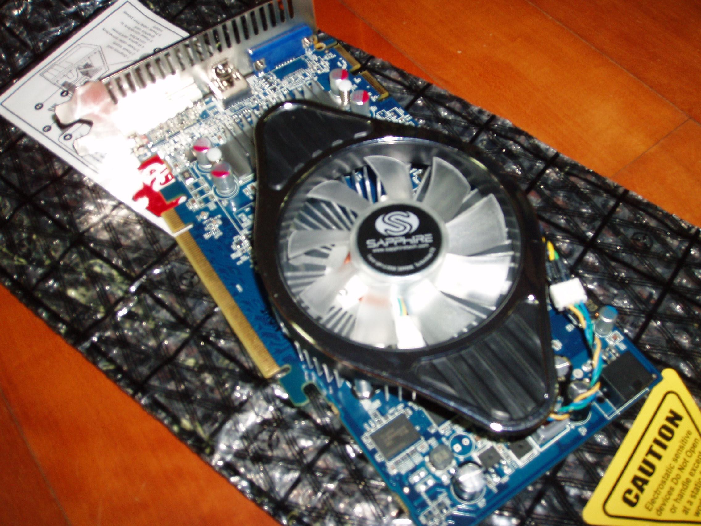 드디어 정체를 드러낸 HD4850