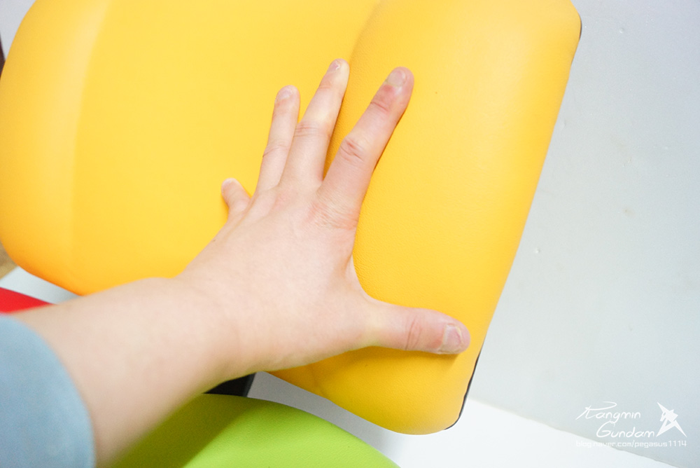 장시간 의자에 앉아 공부하는 수험생, 직장인들을 추천! 하라체어 HK06 DT2 H 건강 의자 -011.jpg