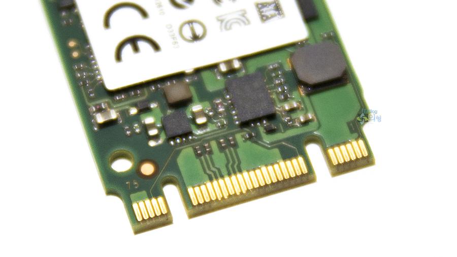 마이크론 Crucial M550 M.2 SSD 128GB (5).jpg