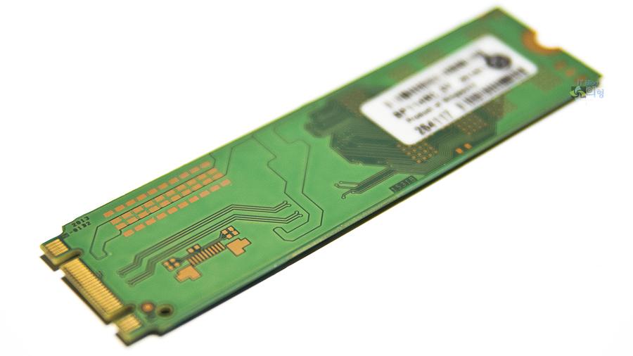 마이크론 Crucial M550 M.2 SSD 128GB (7).jpg