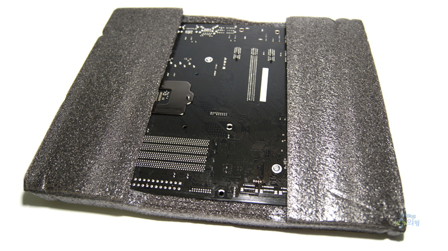 ASRock Z97 Extreme4 디앤디컴 메인보드 개봉기 (19).jpg