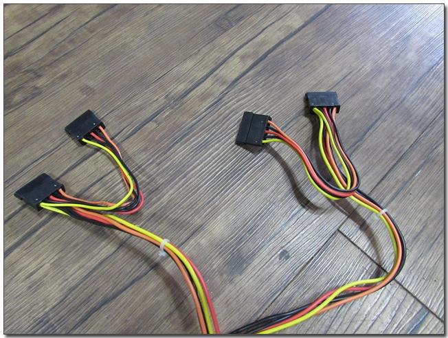 22 s-ata 커넥터.jpg