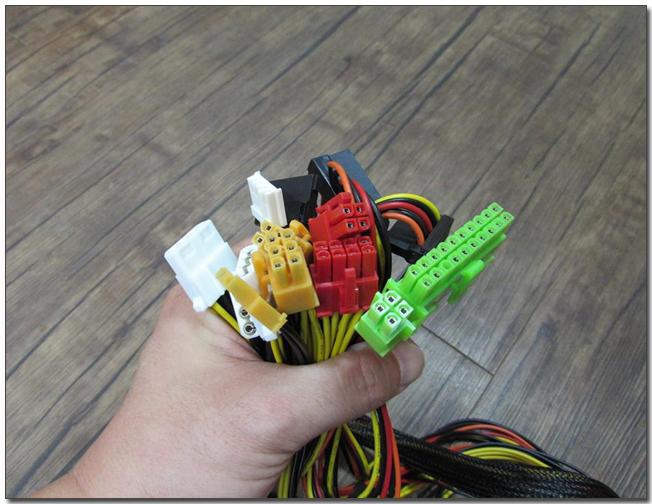 03-6 커넥터 모음.jpg