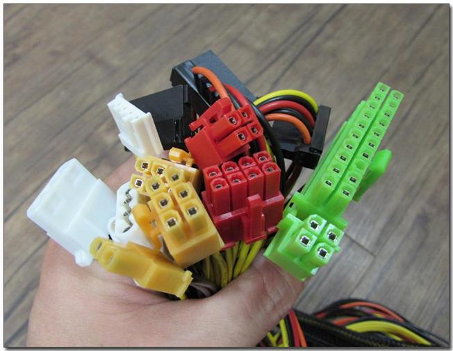 03-7 커넥터 모음.jpg