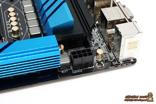 ASRock Z97 Extreme4 외형2 .jpg