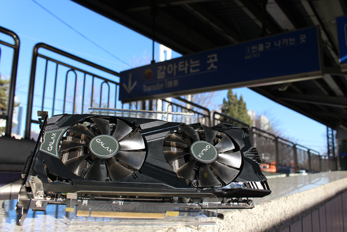 GALAX_GTX960_Subway_Photo_03.jpg