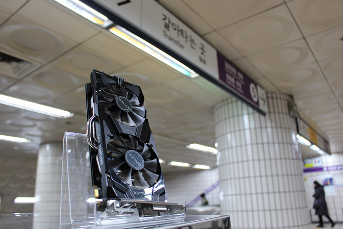 GALAX_GTX960_Subway_Photo_01.jpg