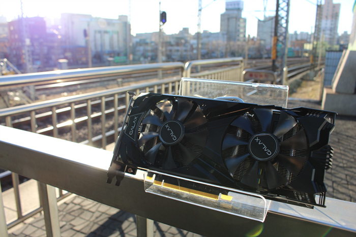 GALAX_GTX960_Subway_Photo_24.jpg