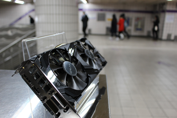 GALAX_GTX960_Subway_Photo_38.jpg