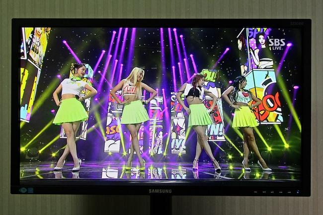 4.TV1.JPG