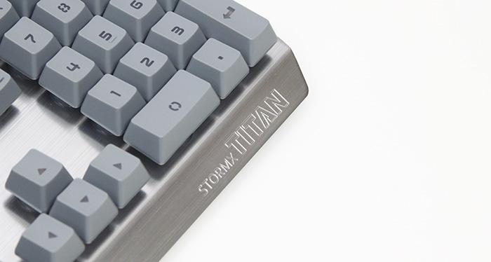 제닉스 STORMX TITAN0074.JPG