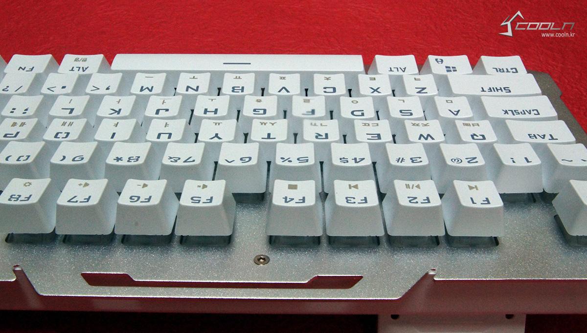 리줌 기계식키보드 RIZUM G-FACTOR Z50 RAINBOW Aluminum 사용기 -19.jpg