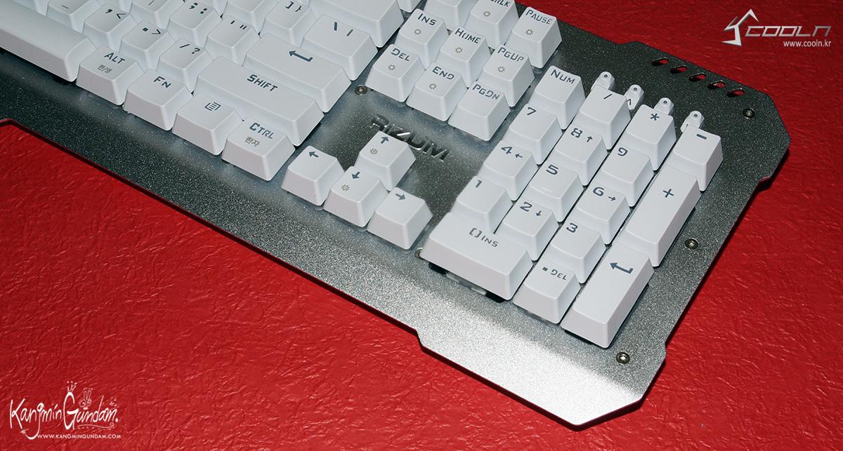 리줌 기계식키보드 RIZUM G-FACTOR Z50 RAINBOW Aluminum 사용기 -32.jpg
