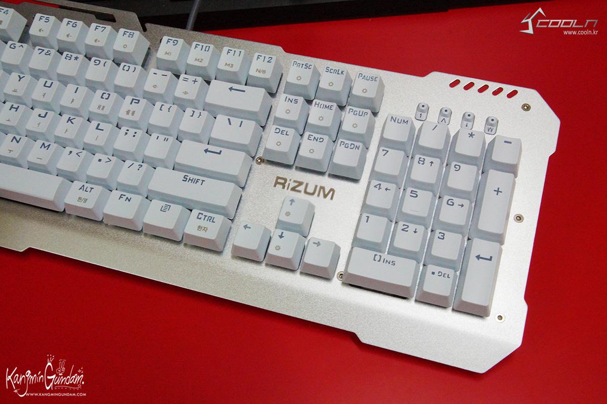 리줌 기계식키보드 RIZUM G-FACTOR Z50 RAINBOW Aluminum 사용기 -35.jpg