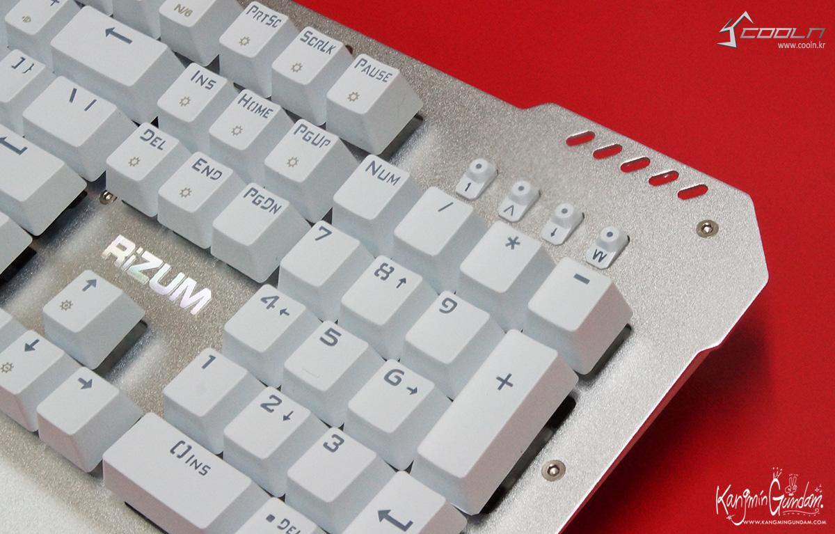 리줌 기계식키보드 RIZUM G-FACTOR Z50 RAINBOW Aluminum 사용기 -36.jpg