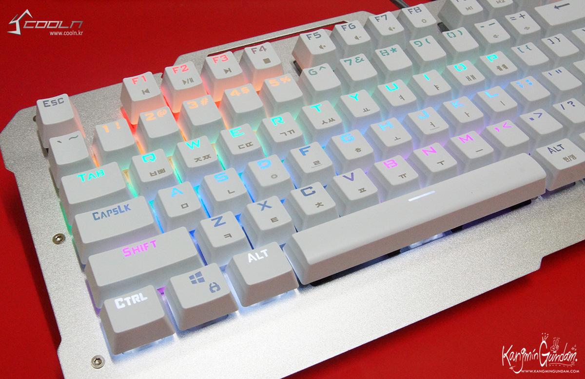 리줌 기계식키보드 RIZUM G-FACTOR Z50 RAINBOW Aluminum 사용기 -67.jpg