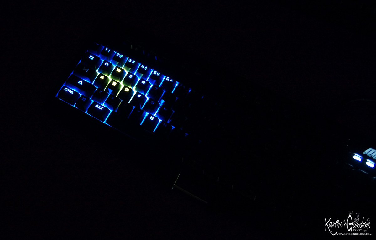 제닉스 M9 SPECTRUM LED 기계식키보드 청축 -66.jpg