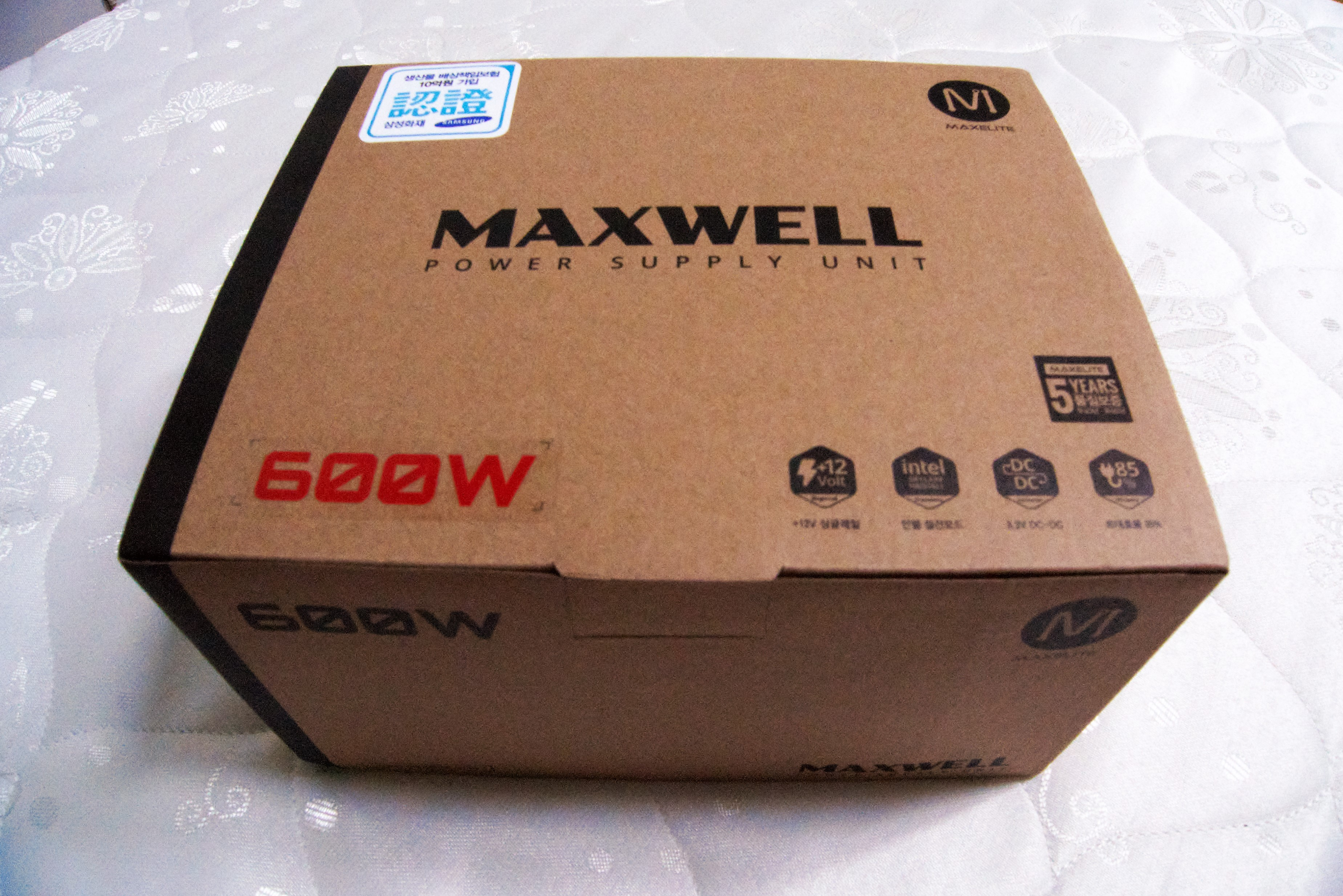 전력소모를 줄여줄 MAXWELL 600W 3.3V DC to DC FOR DDR4 - taper