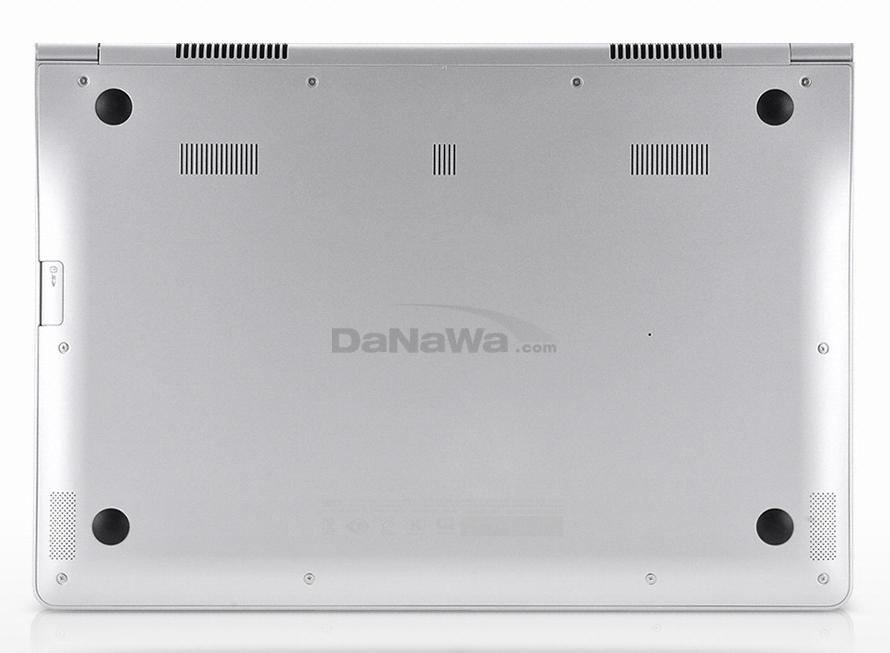 삼성전자 시리즈9 NT900X3D-A65S 바닥면
