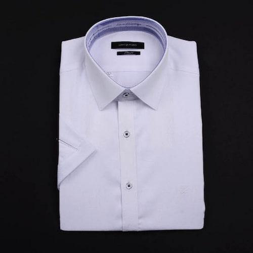 루이까또즈  사선 도비 패턴 화이트 반소매 슬림핏 셔츠 Q60151_이미지