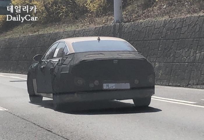 제네시스 G80 시험주행차량 (제공: 데일리카 독자 김재호 님)