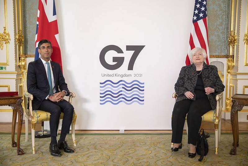 영국 리시 수낵 재무 장관(좌)과 미국 재닛 옐런 재무부 장관(우), 미국은 합의 직전까지도 유럽의 디지털 세 도입에 반대해 보복관세로 경고까지 했으나 원만하게 법인세에 합의하였다. 출처=G7UK