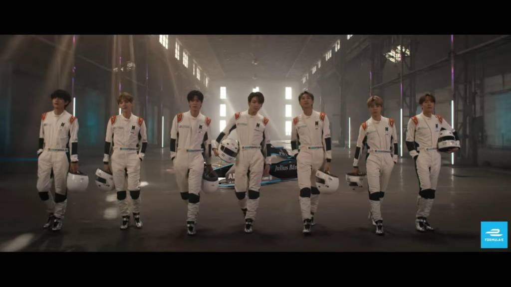 방탄소년단이 홍보하고 있는 포뮬러E, 출처: 포뮬러 E 유튜브