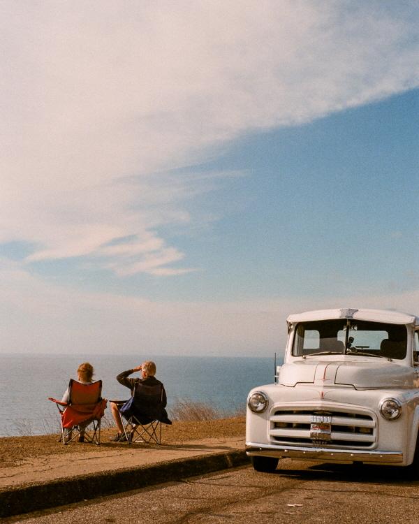 산타 바바라(Santa Barbara)에서 집으로 돌아오는 길. 바다를 하염없이 바라보던 커플
